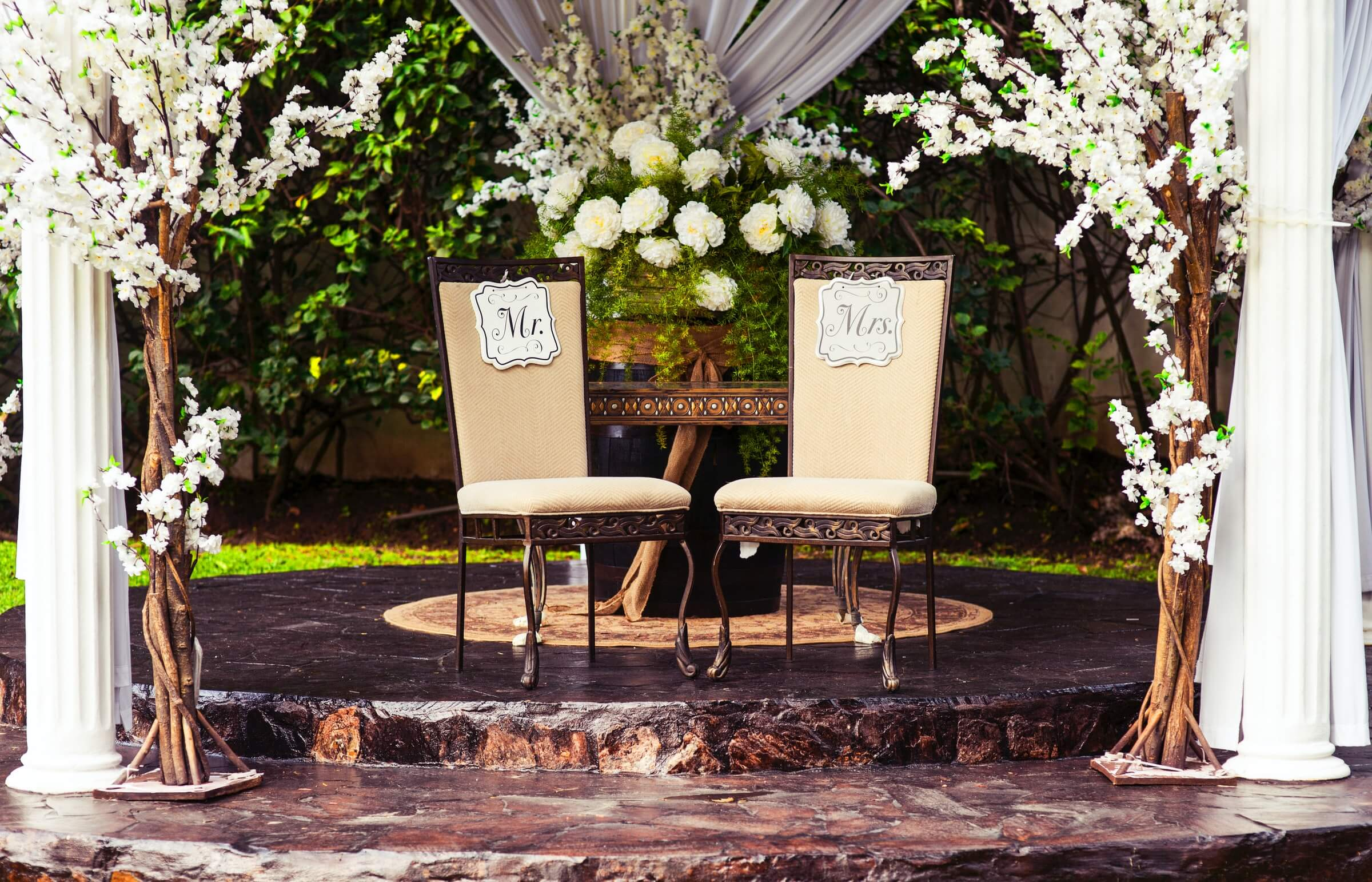 Top Floral Choices for Wedding Décor and Bridal Bouquets in Singapore