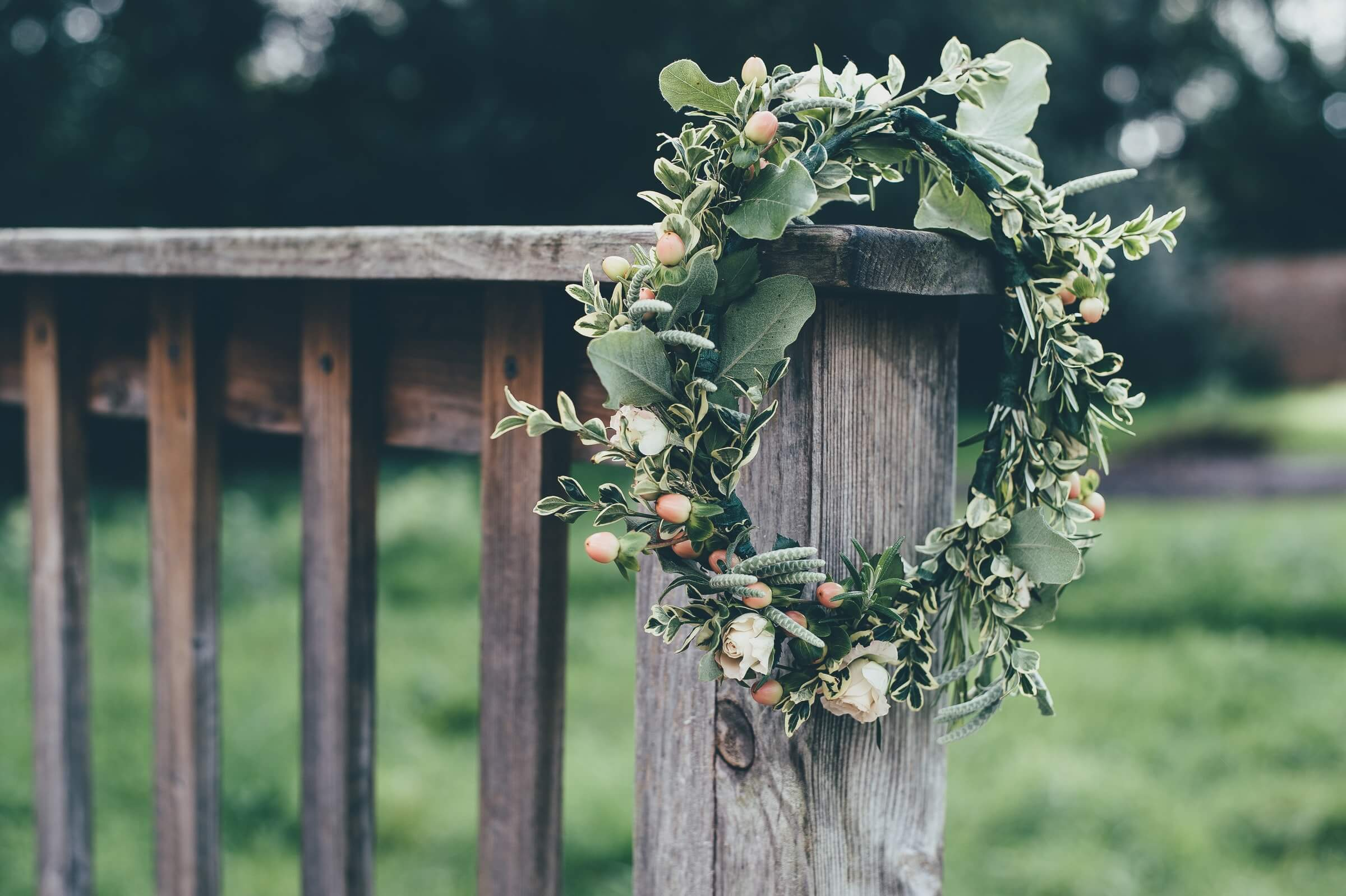 Sympathy Flowers Etiquette: 4 Tips in Choosing and Sending Condolence Wreath